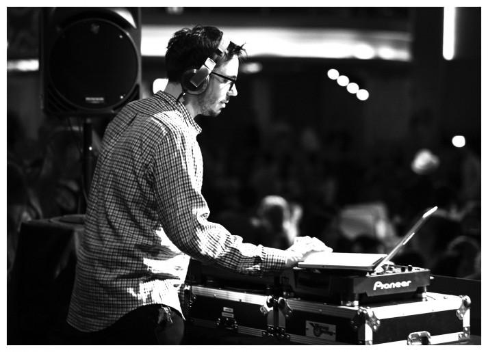 DJ-AM_
